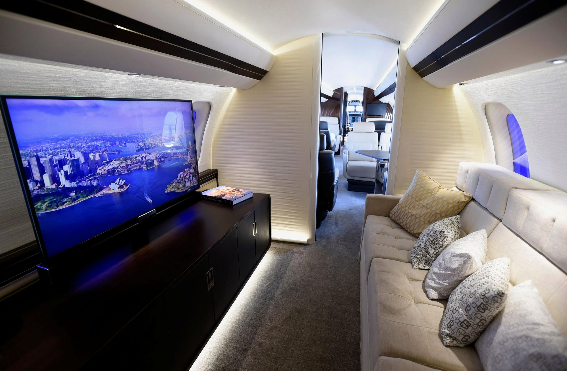 Покупка самолета интерьер
