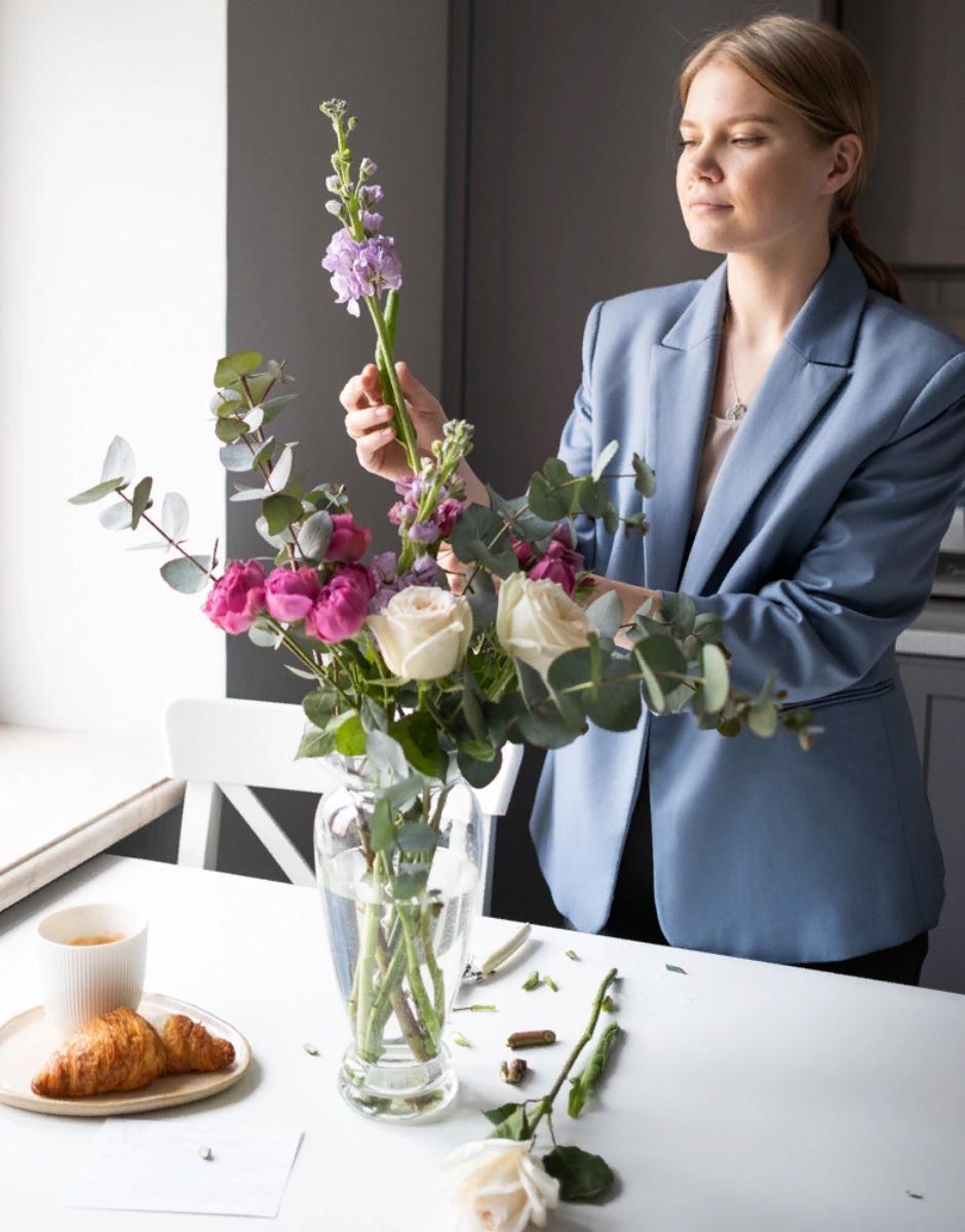 Цветочный бокс яркое утро от магазина Mate flowers