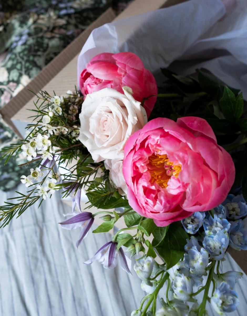 Цветочный бокс летний сад от магазина Mate flowers