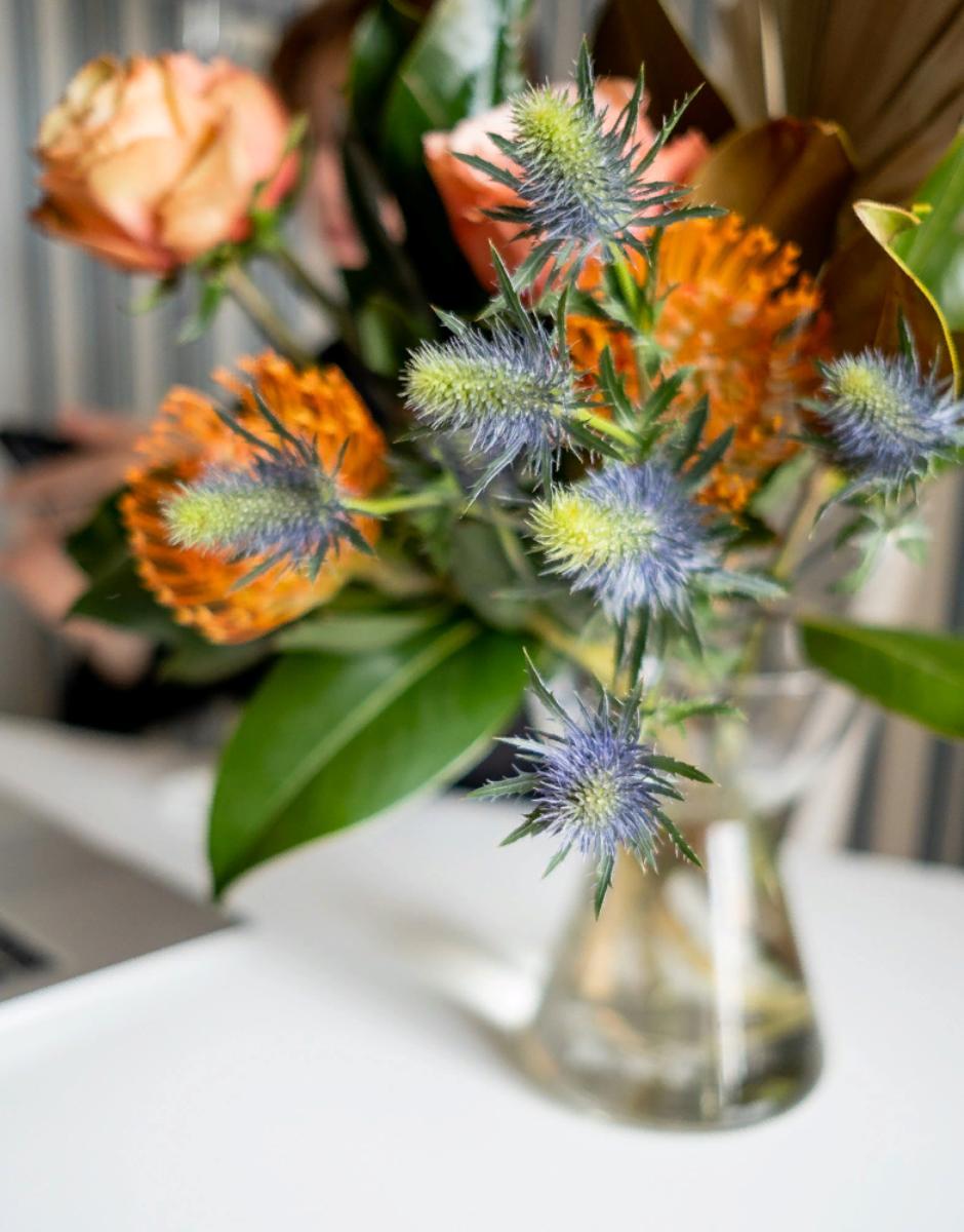 Цветочный бокс интерьерный от магазина Mate flowers
