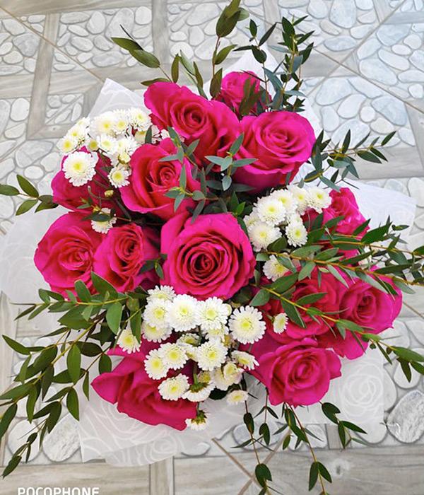 15 роз и 3 хризантемы