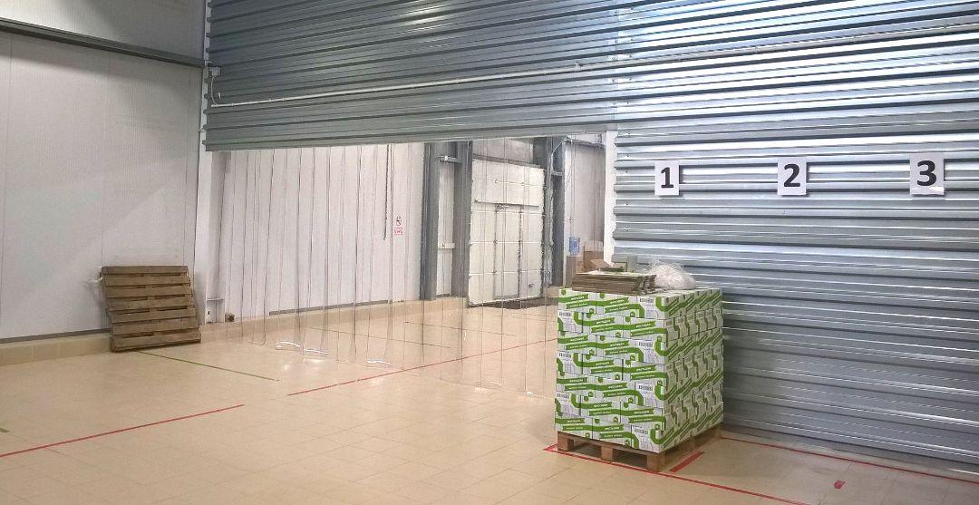 стандартные пвх завесы внутри склада