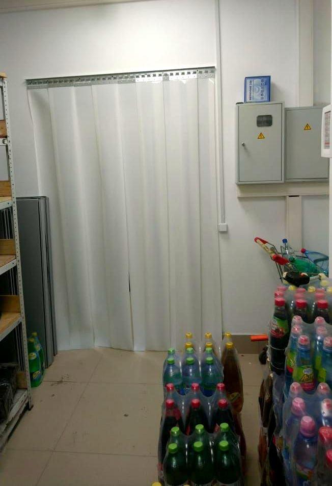 белые ленточные пвх завесы для магазина