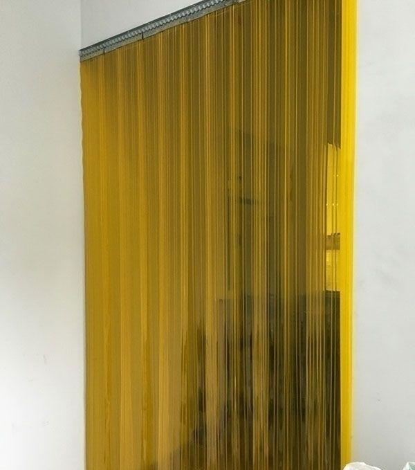 желтые пвх завесы