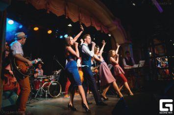 Музыкальная вечеринка в стиле «Караоке» или «шоу Голос»