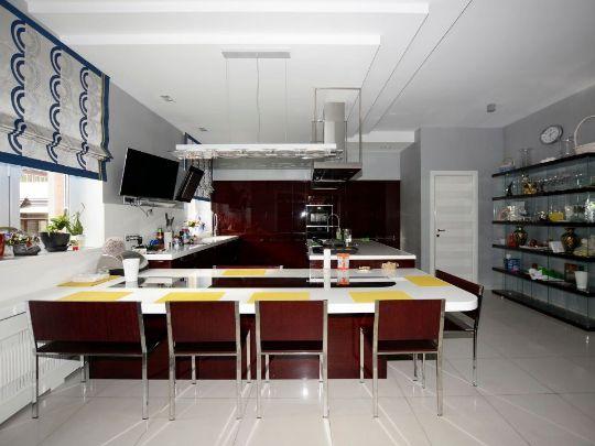 римская штора на кухне стиль абстракционизм