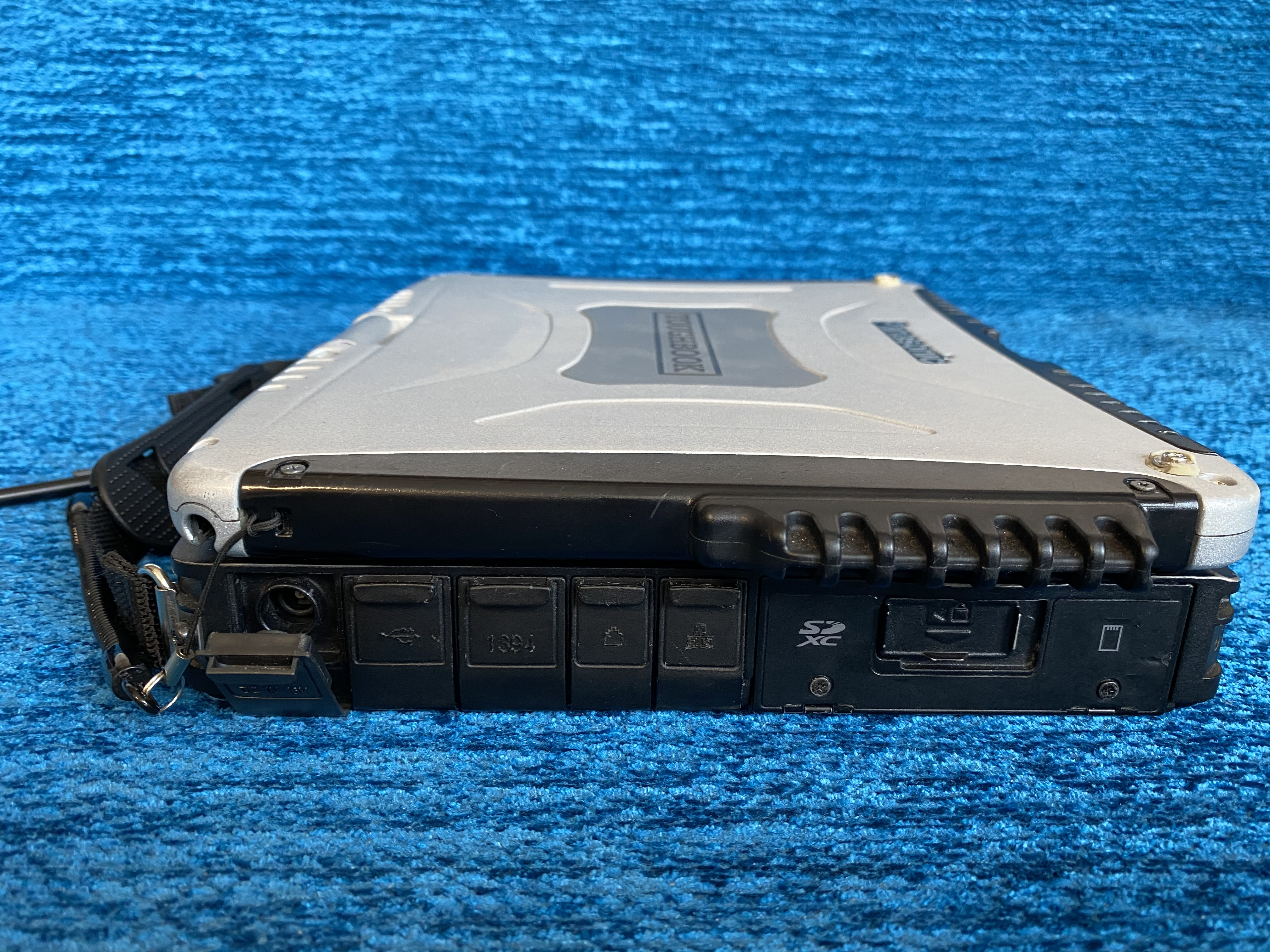 Защищённый Panasonic CF-19