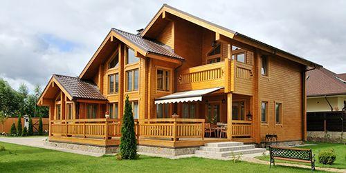 как прокрасить фасад деревянного дома