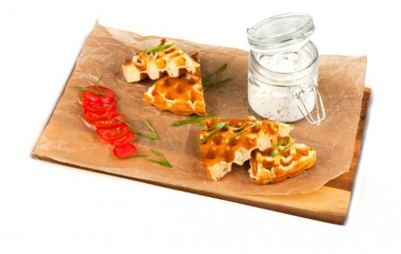 Вафли с сырным паштетом