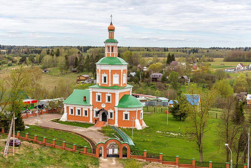 Тропарево. Церковь Покрова Пресвятой Богородицы.