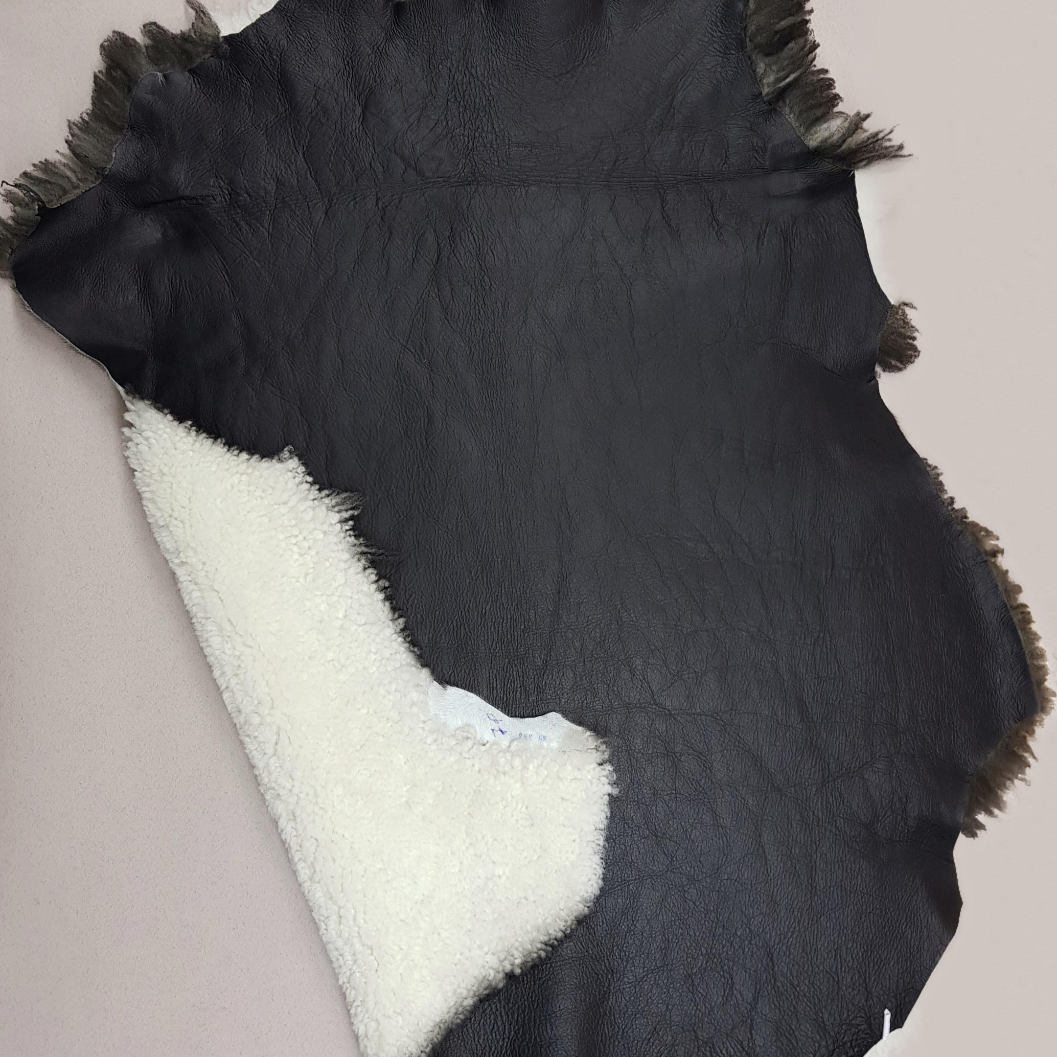 Овчина дубленка керли черно-белая