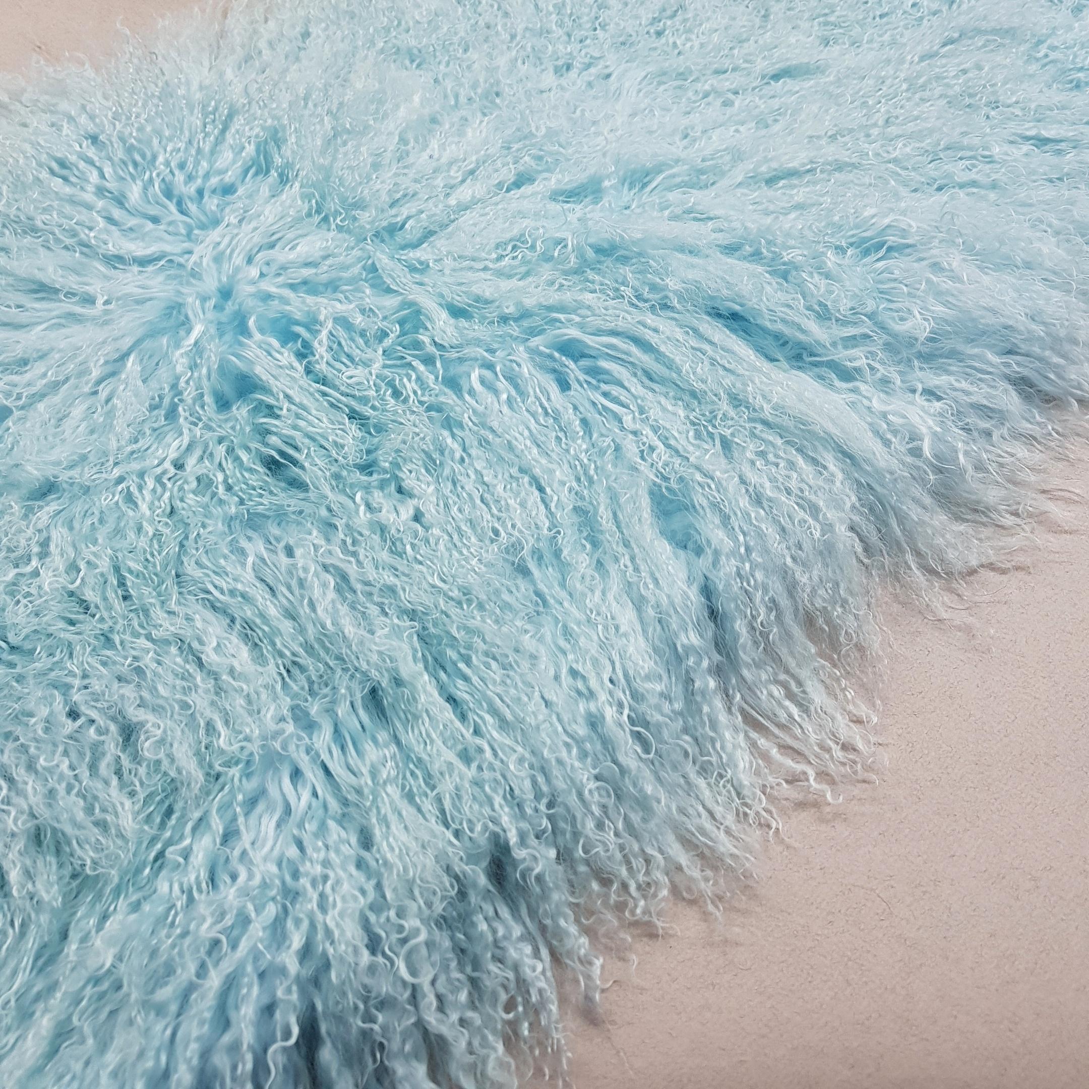 Пластина из ламы светло-голубая