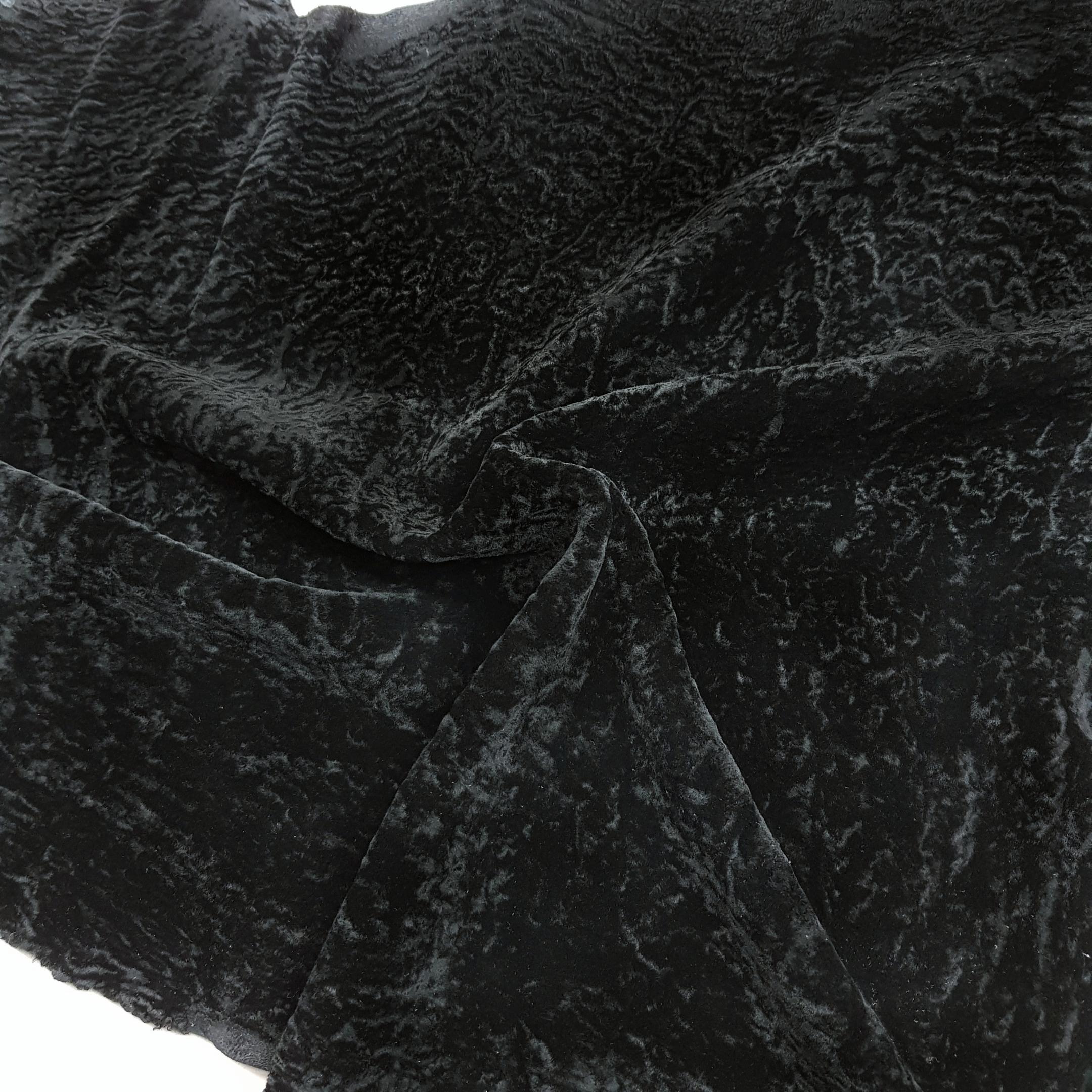 Овчина астраган черный
