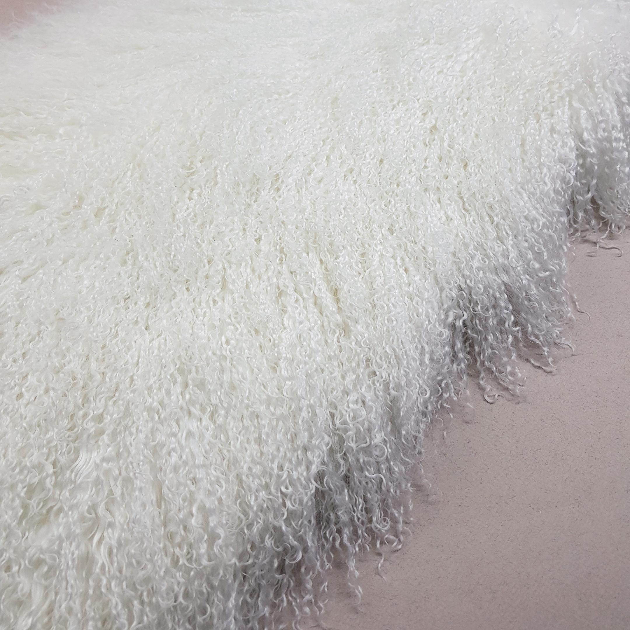 Пластина из ламы белая