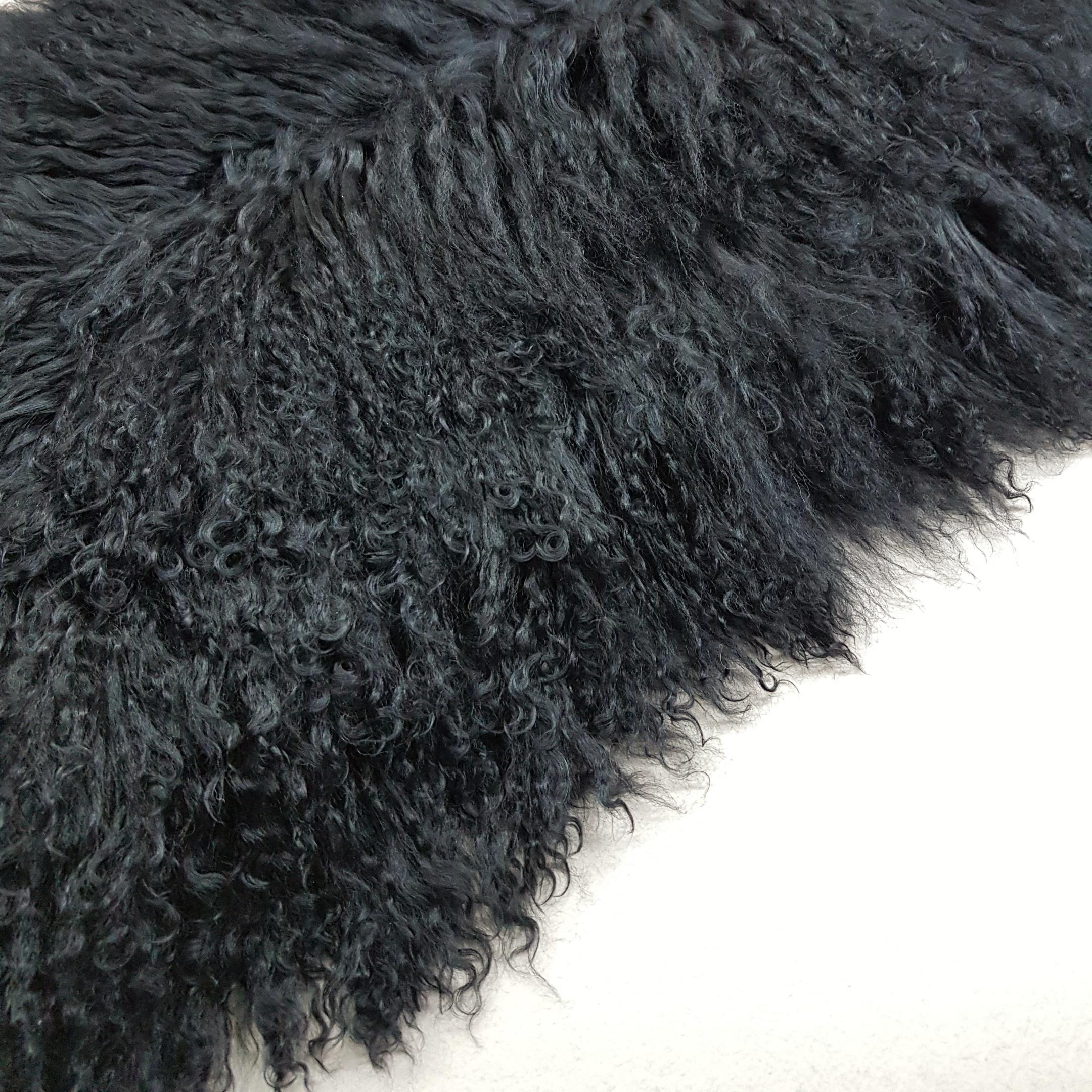 Пластина из ламы черная
