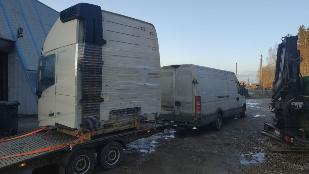 Доставка кабины грузовика в Россию