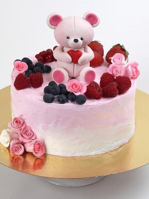 Мишка в ягодах