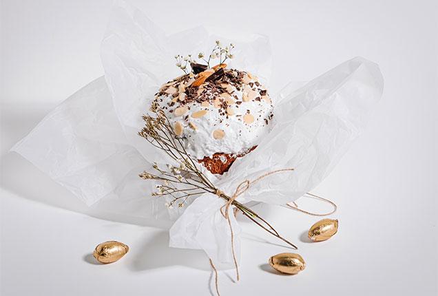 Кулич пасхальный сдобный с изюмом и цукатами, шоколадный декор, 570 грамм