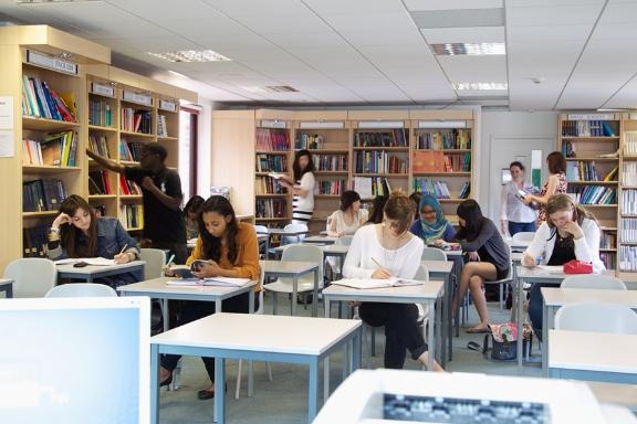 картинка Abbey DLD Colleges от агентства AcademConsult
