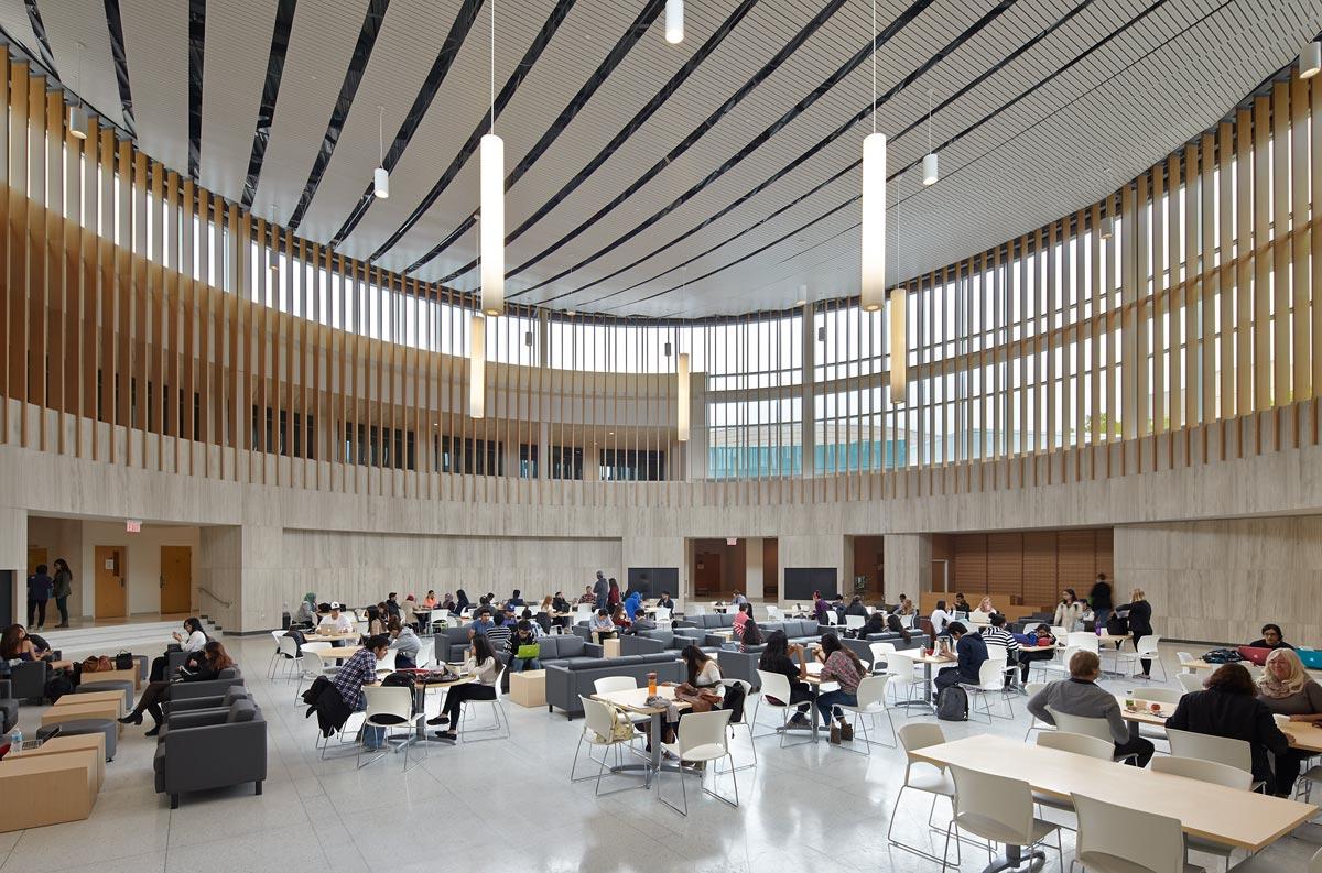 картинка University of Toronto от агентства AcademConsult