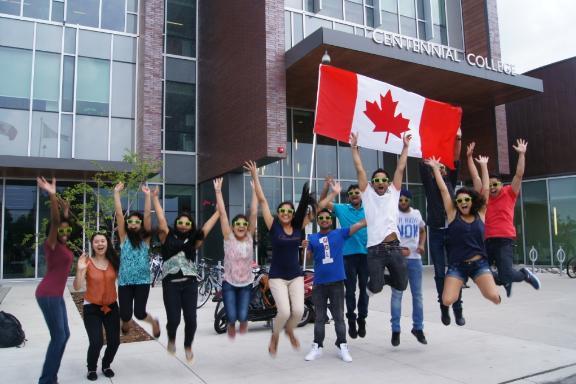 картинка Centennial College от агентства AcademConsult
