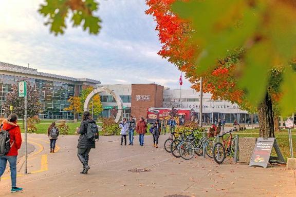 картинка Durham College от агентства AcademConsult