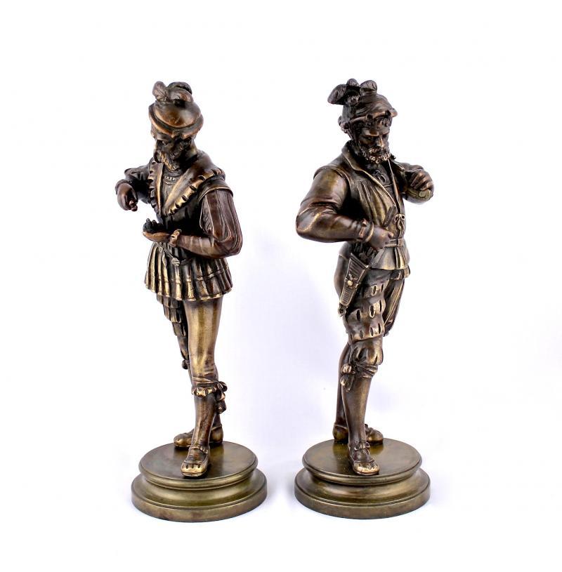 """картинка Антикварные парные статуэтки """"Французские солдаты XVI века"""" от магазина Одежда+"""