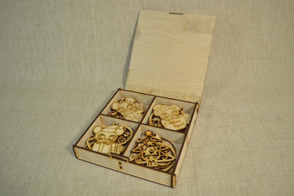 картинка Подарочная коробка с игрушками малая, арт.Ф00101 - подарки и декор из дерева - подереву.рф