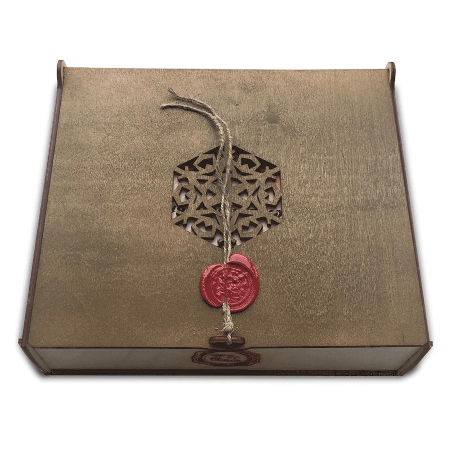картинка Шкатулка подарочная малая с крышкой, 230x190x60 мм, арт. Ф00002 - подарки и декор из дерева - подереву.рф