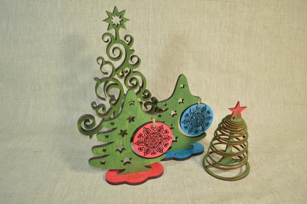 """картинка Новогодний сувенир """"Большая ёлка"""", арт.Ф00105 - подарки и декор из дерева - подереву.рф"""
