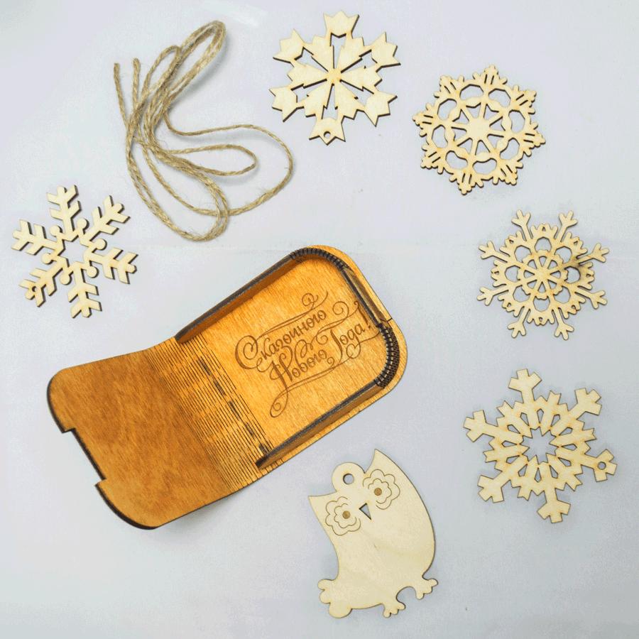 картинка Шкатулка подарочная с наполнением, 90x90x30 мм, арт. Ф00005 - подарки и декор из дерева - подереву.рф