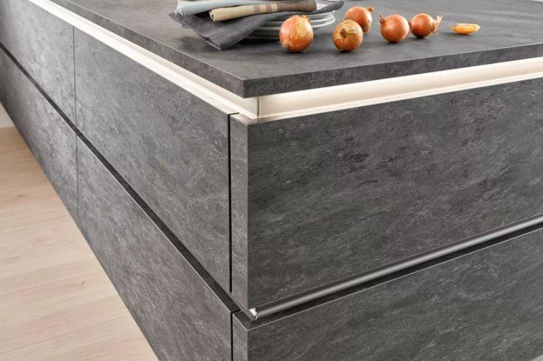 резка плитки под 45 градусов при изготовлении кухонных фасадов