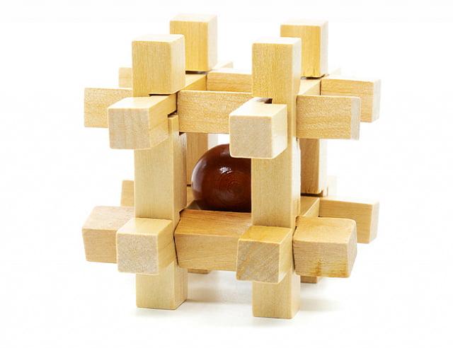 Деревянная головоломка Шарик в подземелье