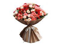 Съемка букета роз разноцветных