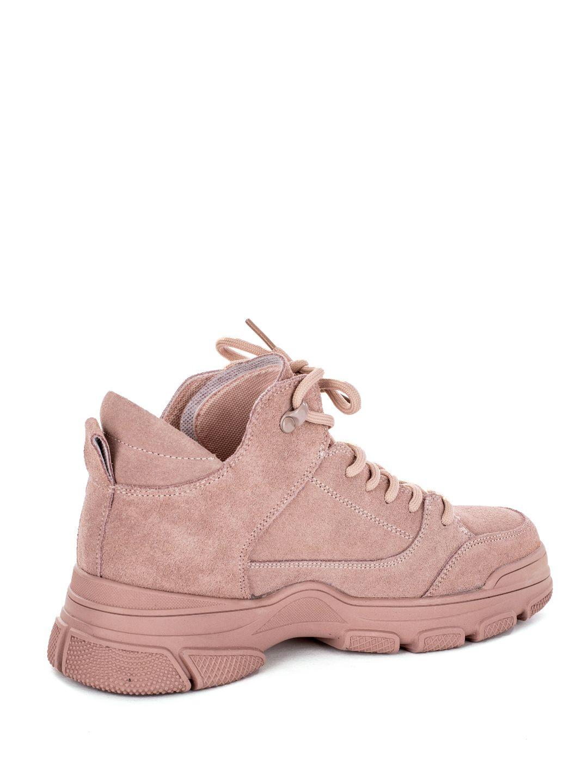 Фотограф обуви кроссовок вид сзади