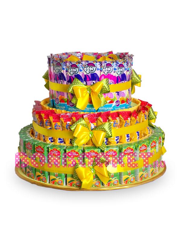 Торт из сока, пирожных и конфет на основе Yellow *