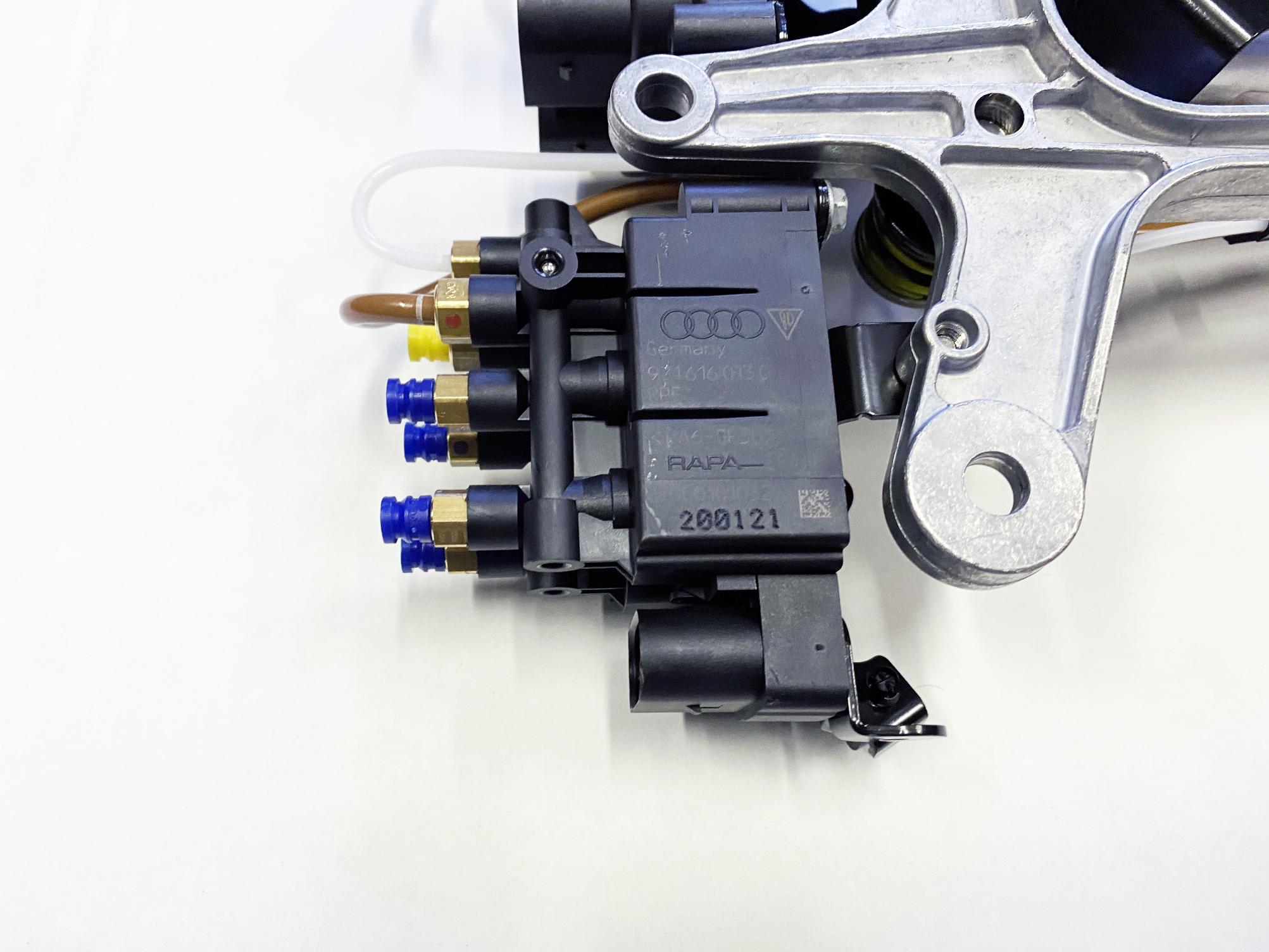картинка Новый оригинальный компрессор пневмоподвески Wabco для Porsche Panamera 971 G2 2017+ (971616006B, 971616007B) от магазина пневмоподвески ПневмоМаркет