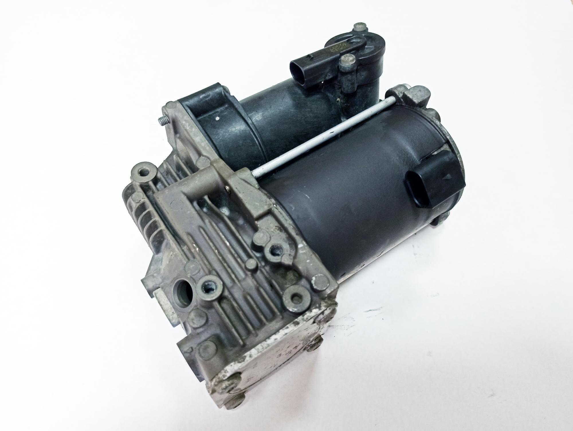 картинка Оригинальный восстановленный компрессор пневмоподвески AMK для Mercedes S-class W222 / C217 (A0993200104, A2223200404) от магазина пневмоподвески ПневмоМаркет