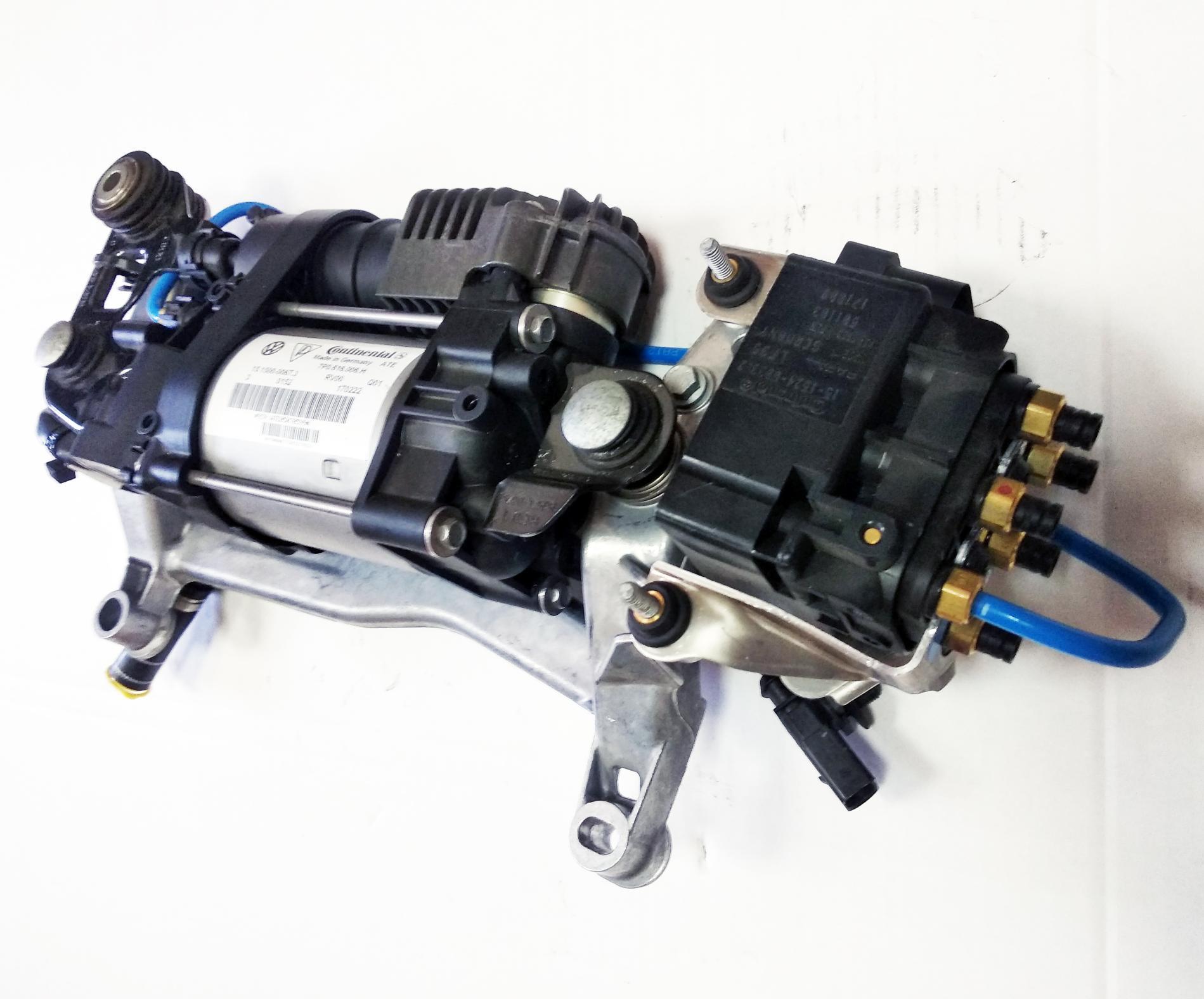 картинка Новый оригинальный компрессор пневмоподвески Continental с блоком клапанов для VW Touareg II NF / Porsche Cayenne II 958 (7P0698007) от магазина пневмоподвески ПневмоМаркет