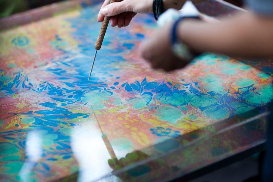 картинка Рисуй на воде. Набор Эбру 12 цветов от магазина Zebrra.ru
