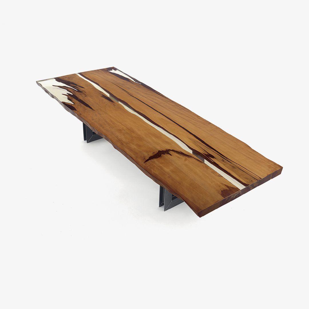 Обеденный стол KAURI BEAM