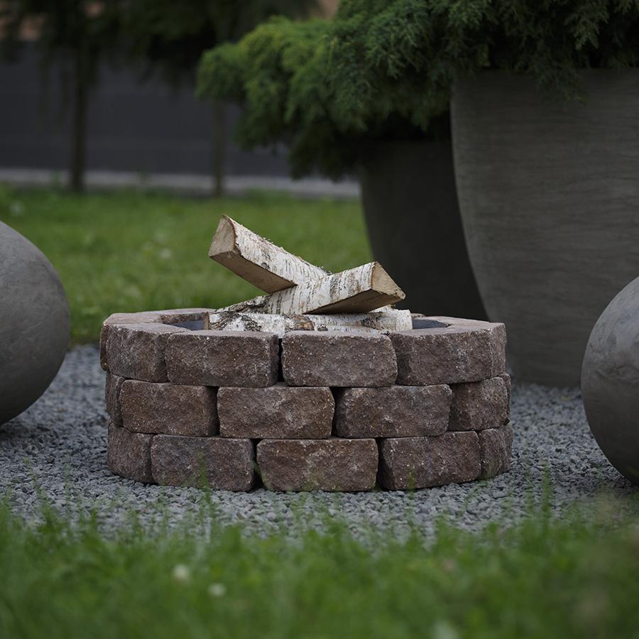 Чаша на основании из состаренного бетона, 3 уровня кладки