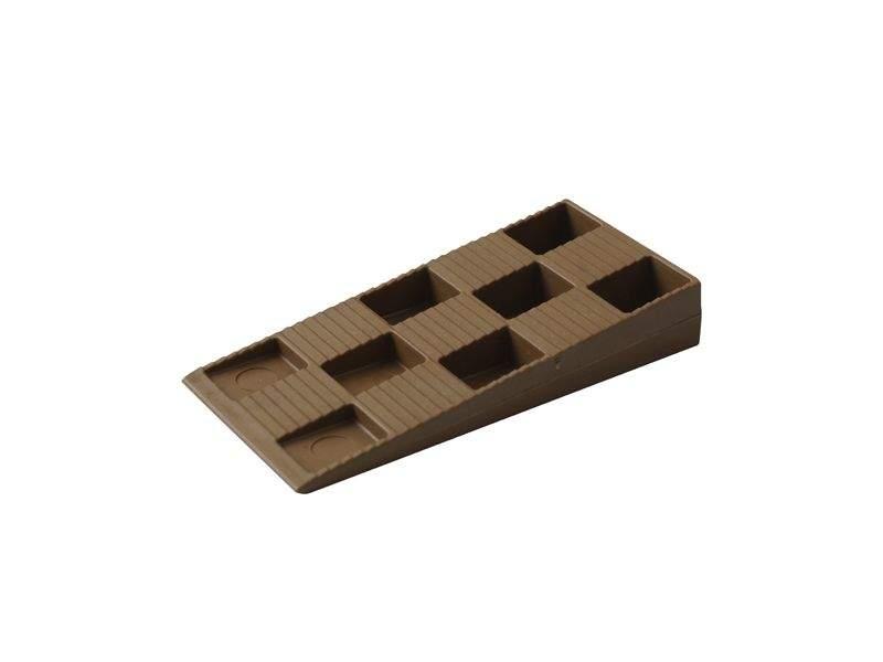 картинка Клин монтажный Bauset 91х43х15 коричневый от интернет магазина Первый магазин откосов и подоконников