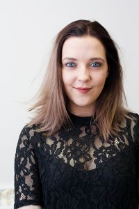 Виктория Морозова - продажи услуг, оформление банковских гарантий